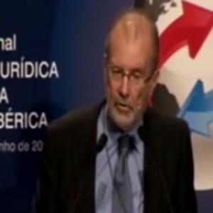 Mesa redonda: Seguridad jurídica y aplicación del derecho 1. Preside: D. Juan Antonio Xiol Ríos