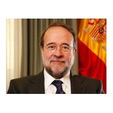 Carles Cruz Moratones, galardonado con la Gran Cruz de San Raimundo de Penyafort