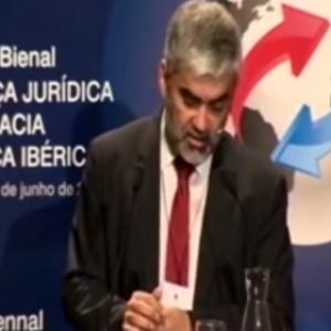 Conferencia plenaria: D. Carlos Álvarez Voullieme (Director adjunto del Centro de Desarrollo de la OCDE, Chile)