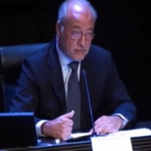 Preside: Jairo Parra. Burbank, S.B.: